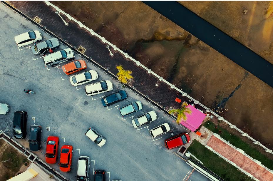 kolizja na parkingu stłuczka